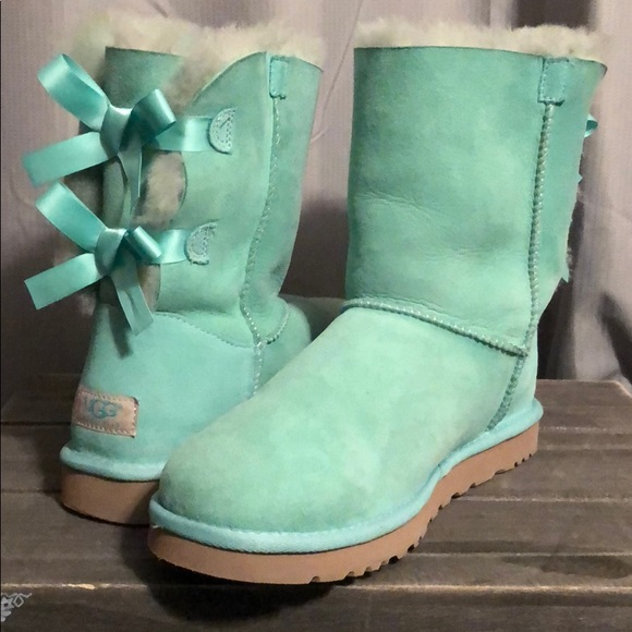 b400ccf7a83 Tiffany Blue Bailey Bow Ugg Boots. Sz 9